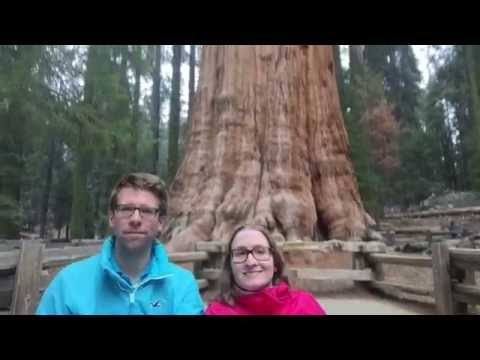 Thomie and Gabi in front of the General Sherman Tree