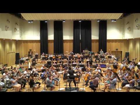 In rehearsal: Alondra de la Parra and QSO play Mahler 1