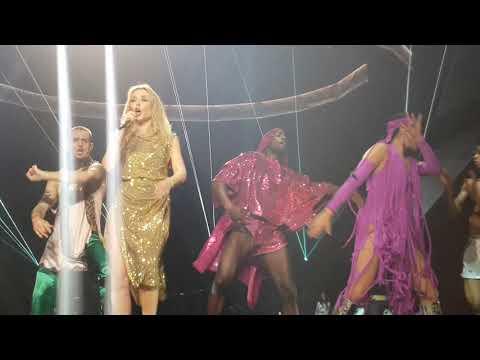 Kylie Minogue - Spinning Around (Live) Golden Tour Genting Arena Birmingham 21/09/18