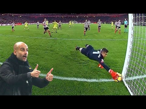 Most Heroic Goalkeeper Saves 2017/18 HD
