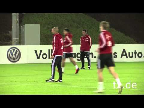 Guardiola coaching session with Bayern Munich