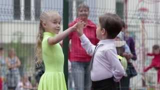 Бальные танцы в школе танцев