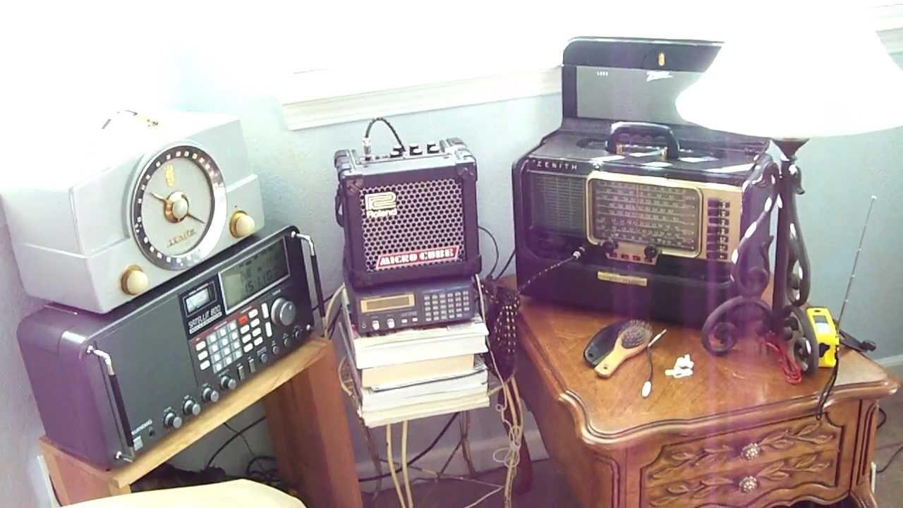 Antique Zenith '47 Tube Radio Trans-Oceanic & Zenith Bakelite Tube AM/FM  early '50s Model H725Z1