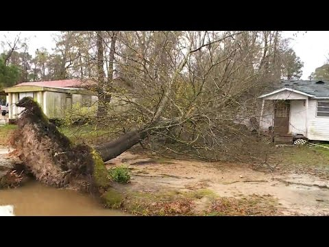 South cleans up after deadly storm system