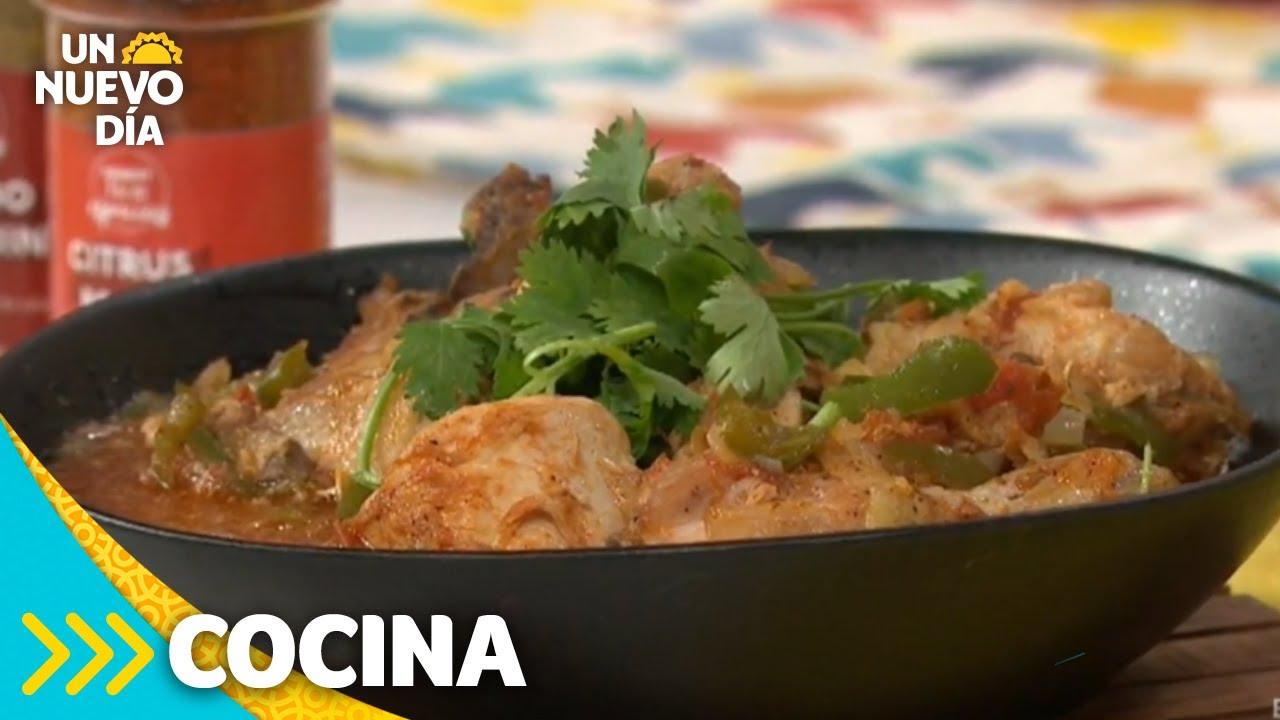 Receta para preparar un rico pollo a la mexicana | Un Nuevo Día | Telemundo