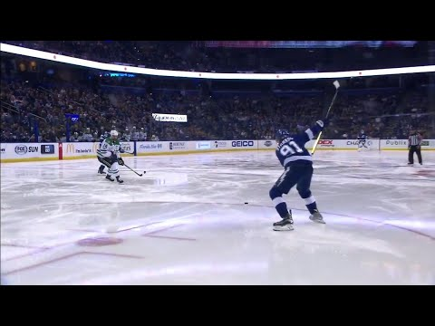 Stamkos scores off one-timer from his office to get Lightning ahead of Stars
