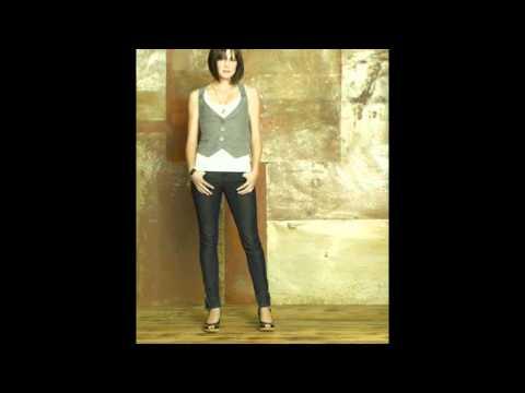 Chelsea Hobbs hot!