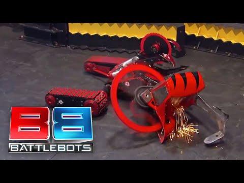 Wrecks vs Red Devil: BattleBots Season 2 Qualifying Round