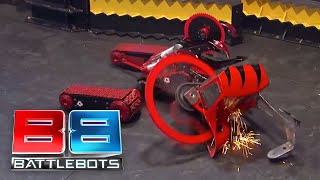 Wrecks vs Red Devil: BattleBots Season 2 Qualifying Round
