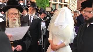 Sholom Mordechai Rubashkin And Koson Rebbe @ Bluming Chupa - 22 Sivan 5778