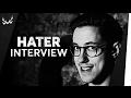 """""""Warum kriegst du es nicht hin, Dagi Bee zu pimpern?""""   HandOfBlood im Hater-Interview   ✚ ABONNIEREN: https://goo.gl/CfYp65 ► LIKE IT? PFLAUMEN HOCH! ► Heute stellt sich HandOfBlood euren Hater-Fragen! Giraffenlache inklusive, Bitches.  MAX: https://goo.gl/KRGPlT ▬▬▬▬▬▬▬▬▬▬▬▬▬▬▬▬▬▬▬▬▬▬▬▬▬▬▬▬▬▬ • TERROR & TITTEN: Wir bauen ein LeFloid-Thumbnail!   #WWW: https://goo.gl/XSW0F9 • YouTube-Niveau, Webvideopreis, Waldorfschule uvm.   HandOfBlood im Talk: https://goo.gl/eqVDzN ▬▬▬▬▬▬▬▬▬▬▬▬▬▬▬▬▬▬▬▬▬▬▬▬▬▬▬▬▬▬ SOCIAL MEDIA ►► http://www.instagram.com/wwwshow (NEU!) ►► http://www.facebook.com/twintv ►► http://www.twitter.com/twintvofficial  BENNI ► http://www.instagram.com/benniwo  DENNIS ► http://www.instagram.com/den_vito ▬▬▬▬▬▬▬▬▬▬▬▬▬▬▬▬▬▬▬▬▬▬▬▬▬▬▬▬▬▬ Kontaktadresse/Business Inquiries: contact@twintv.de c/o B W M Communications  Rosenstraße 32  50678 Köln   http://bit.ly/1Tc27sH ▬▬▬▬▬▬▬▬▬▬▬▬▬▬▬▬▬▬▬▬▬▬▬▬▬▬▬▬▬▬ Impressum Seit dem 15.01.2017 ist WorldWideWohnzimmer ein Angebot von funk.  funk ist ein Gemeinschaftsangebot der Arbeitsgemeinschaft der Rundfunkanstalten der Bundesrepublik Deutschland (ARD) und des Zweiten Deutschen Fernsehens (ZDF).  Impressum für Inhalte ab dem 15.01.2017: http://go.funk.net/impressum  🍬🍬🍬🍬🍬🍬🍬🍬🍬🍬🍬🍬🍬🍬🍬"""