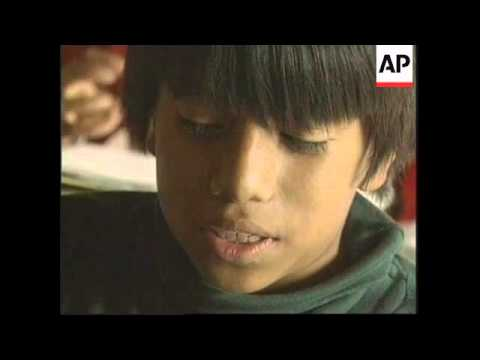 MEXICO: STREET CHILDREN OF MEXICO CITY