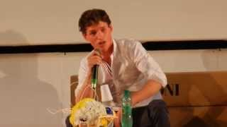 Eddie Redmayne Live Singing Les Miserables At Giffoni