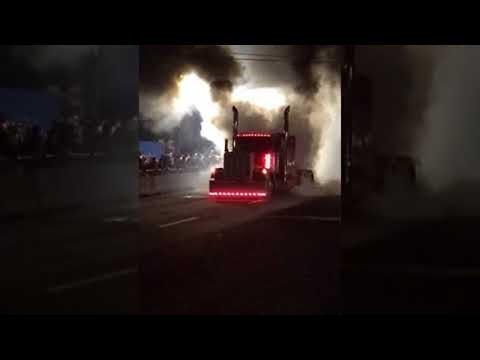 Big Rig Burnout || ViralHog