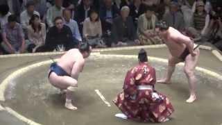 20150511 大相撲夏場所2日目 白鵬vs宝富士.