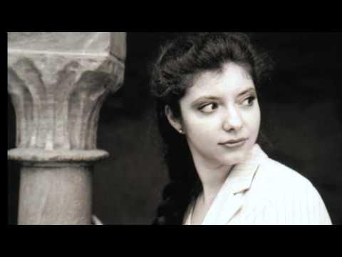 Sofja Gülbadamova spielt Vier Klavierstücke op.119 von JOHANNES BRAHMS (Intermezzo -- Adagio)