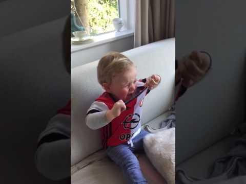 Feyenoord Fan Moet Huilen