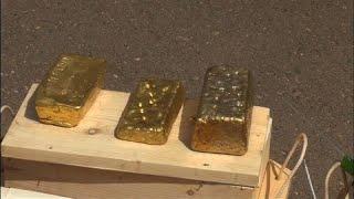 شاهد: السودان يصادر 241 كيلوغراماً من الذهب ضبط على متن طائرة هبطت في الخرطوم …
