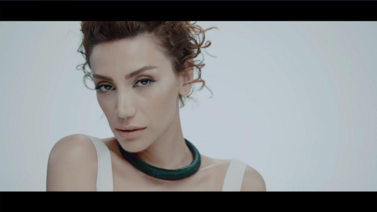 Röya - Ummadığım Anda (Yıldız Tilbe'nin Yıldızlı Şarkıları) - (Official Video)