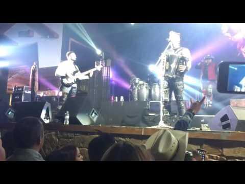 Siggno opening songs Mejor Dimelo / Que Harias  @ La Hacienda Event Center