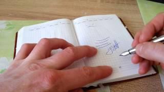 видео Как писать перьевой ручкой?