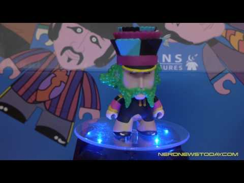 """The Beatles Yellow Submarine"" Wave 1 Titans Vinyl mini-figures unboxing & review"