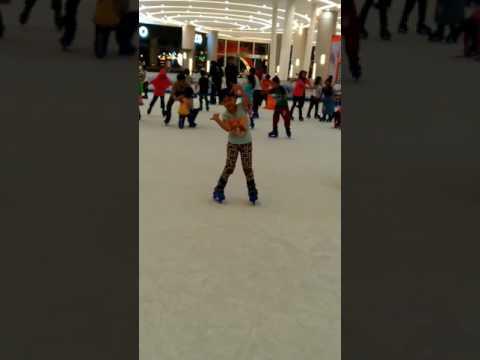 Enjoy play ice skating in Resinda Park