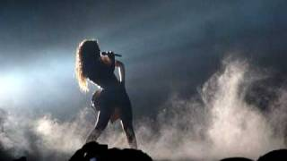 Beyoncé Ft. Jay-Z Crazy In Love, Live from London