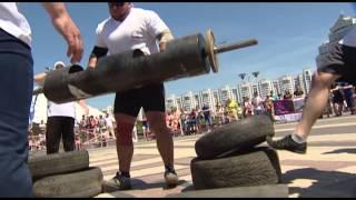 Minsk Strong Battle 2015 - Упражнение 2 - Работа белорусских стронгменов с бревном