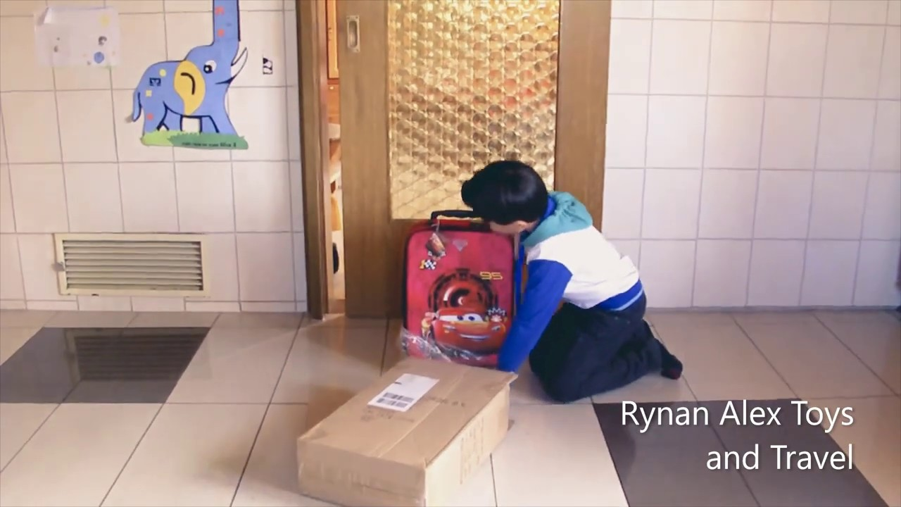 Rynan Alex recieved a package.Let's watch!
