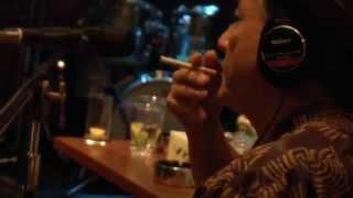 """友川カズキ『復讐バーボン』レコーディング風景/Kazuki Tomokawa """"Vengeance Bourbon"""" Recording Footage"""