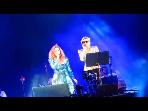 """Maria Rita e Melody Gardot: """"Águas de Março"""". Rock In Rio. Palco Sunset. RJ. 17/09/2017."""