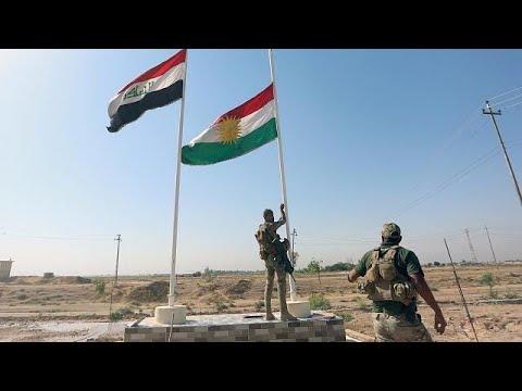 شاهد لحظة انزال القوات العراقية للعلم الكردي من فوق مبنى محافظة كركوك  - نشر قبل 3 ساعة