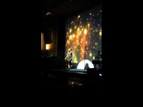 Anh Muốn Em Sống Sao- Thanh Hà live(Đồng Dao)