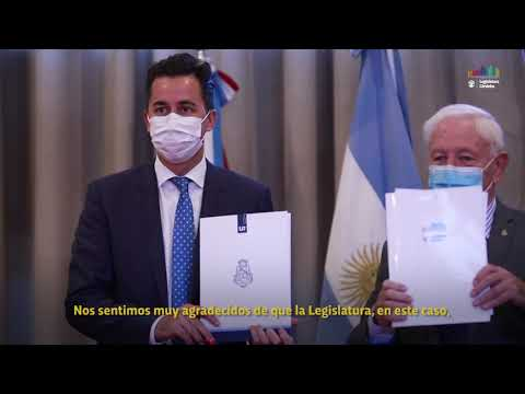 Manuel Calvo firmó con la UNC un convenio de colaboración técnica y académica