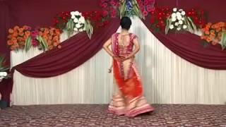 New Indian Wedding Dance 2017 || Beautiful Bride with Family Dance Performance