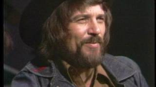 Waylon Jennings . Waymore Blues solo acoustic