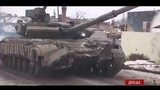 Самый ожесточенный танковый бой у донецкого аэропорта: апокалиптическое видео(Один из самых ожесточенных боев за последние месяцы состоялся 17 января возле донецкого аэропорта. Украинск..., 2015-01-18T11:05:02.000Z)