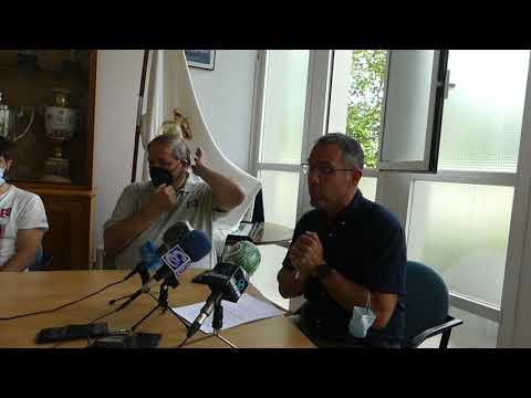 Presentación de la red de escuelas por parte de Gorka Etxeberria, director de fútbol del Real Unión