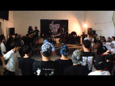 Take Your Crown live at Soodtong Studio