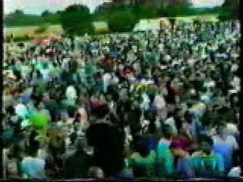 Acid house 1989 illegal rave part 04 sunrise youtube for Acid house rave