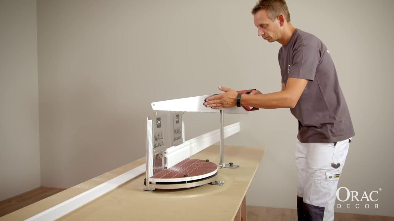 Как правило, используются два вида материалов для изготовления потолочного плинтуса: пенопласт и полиуретан. Пенопластовый плинтус имеет.