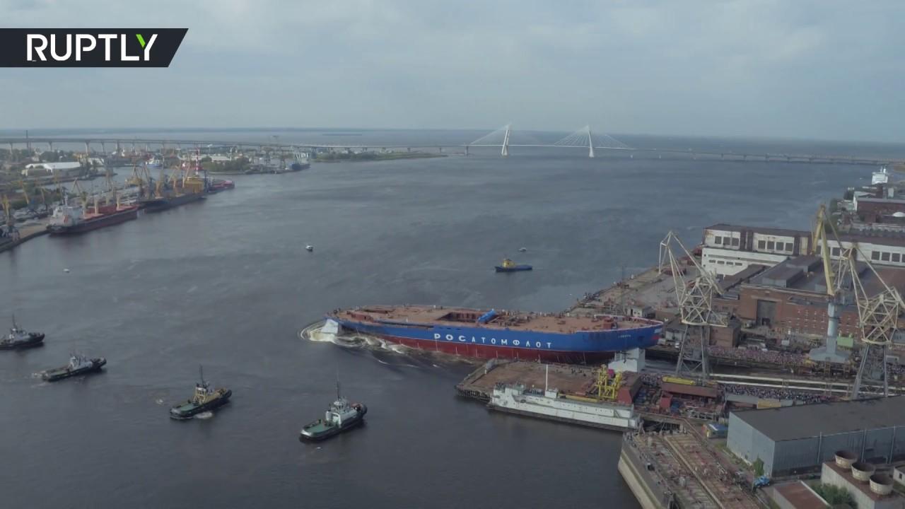 Спуск на воду ледокола «Сибирь» в Санкт-Петербурге