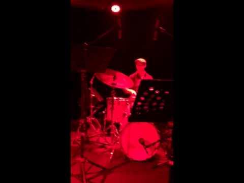 Rob Mayes plays impromptu jazz set at Shanghai's JZ Club