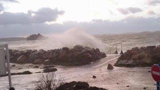Tempête dans le Finistère - Mars 2016 - Digue à Plougasnou