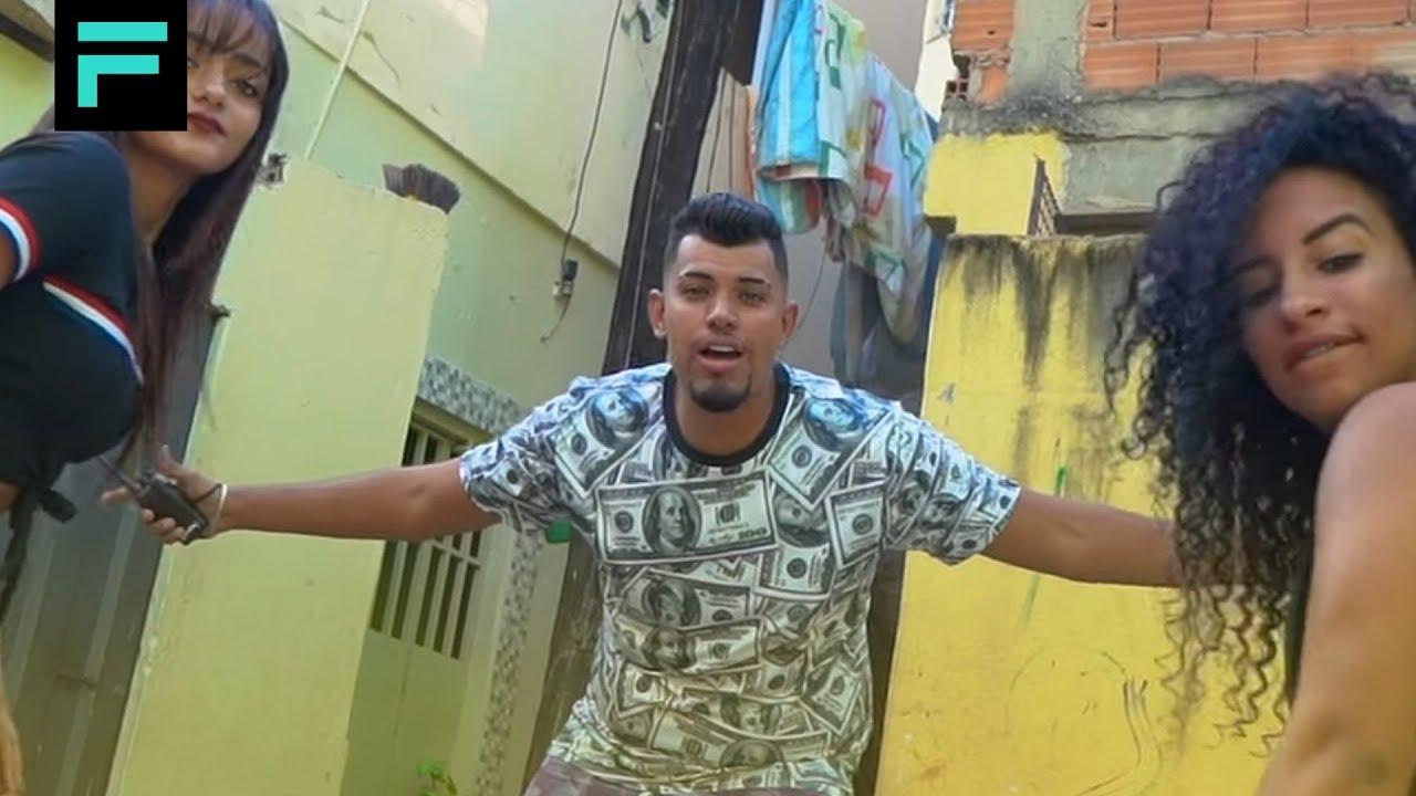 MC Lucca Martins - Na contenção da favela (TOM PRODUÇÕES)