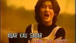 Video Nike Ardilla - Duri Terlindung (musikindo99.blogspot.com) download MP3, 3GP, MP4, WEBM, AVI, FLV Agustus 2018