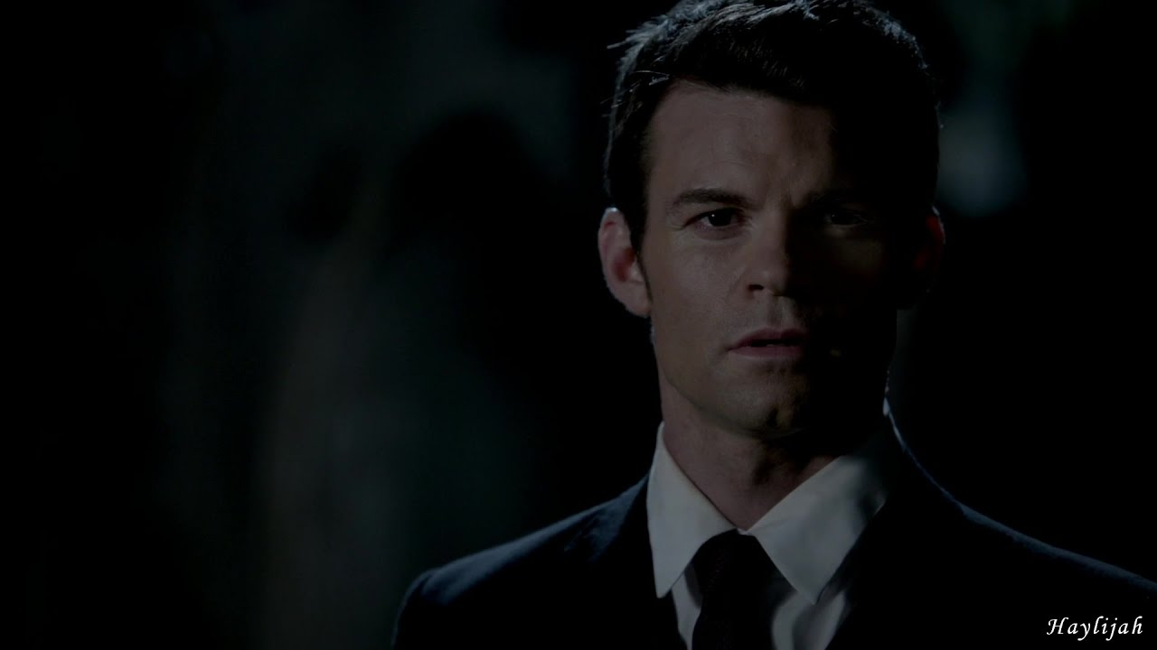 Download The Originals 1x01 Elijah meets Hayley for the first time