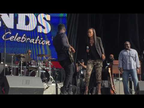 Michelle Williams sang I'll Take You There w/ Robert Randolph at Museum of African American History