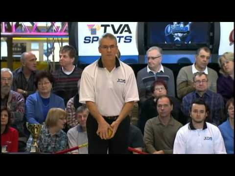 AMAZING Quebec duckpin bowling final match 2011-2012 in the middle of a shopping center MUST SEE !